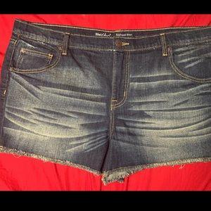 Mossimo Jean shorts SZ 18/34 boyfriend
